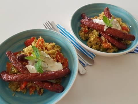 Couscous met groenten lamsmerguez en zure room
