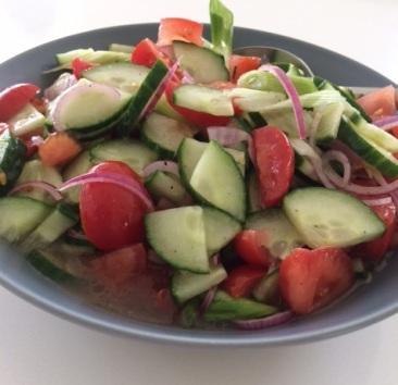 Tomaten-komkommersalade in't zuur